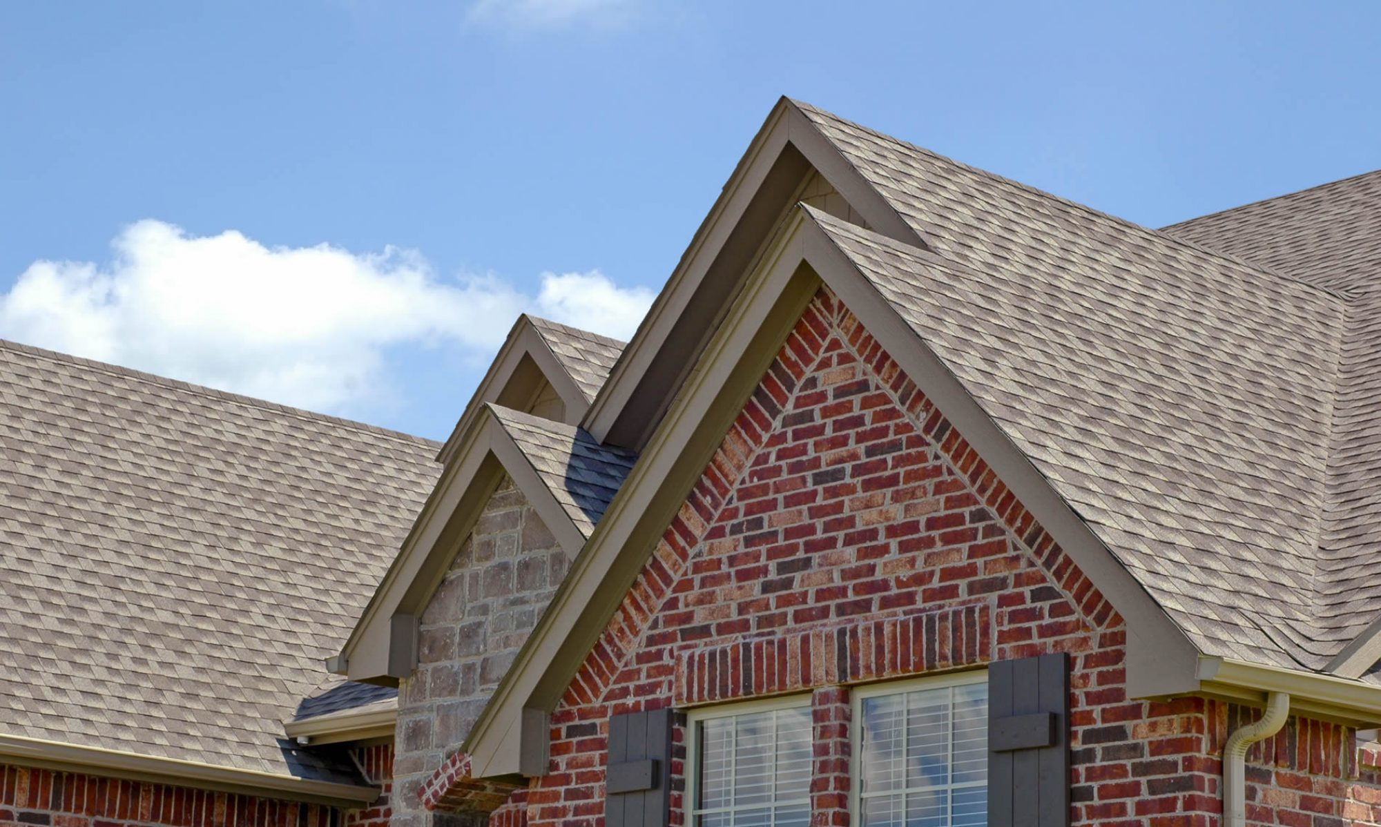 Reasons Why To Choose Roofing Services Oshawa Instead On Doing It Yourself